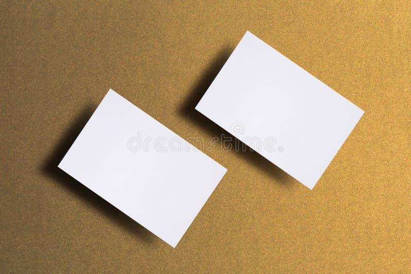 Фото пустых визитных карточек Шаблон модель-макета для клеймя идентичности Для представлений график-дизайнеров и стоковое изображение rf