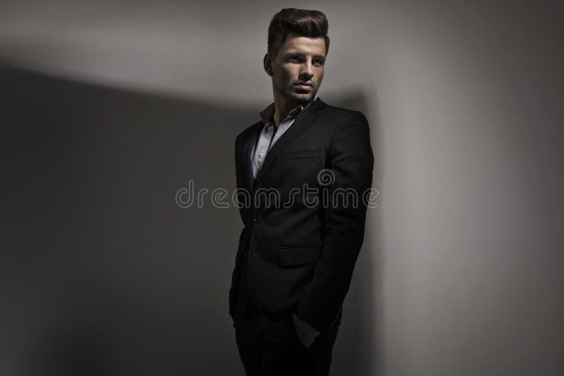 Фото стиля моды молодого парня стоковая фотография rf