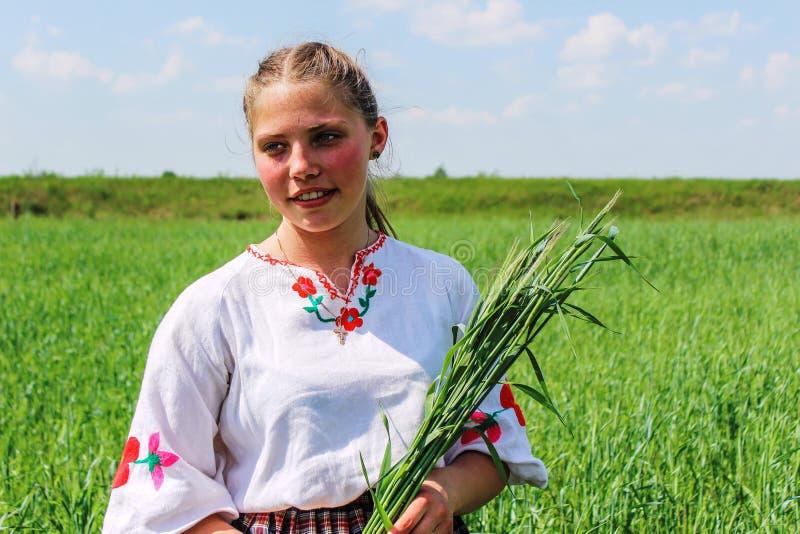 Фольклорные ритуалы производят улучшения в зоне Gomel Республики Беларусь в 2015 стоковые фотографии rf