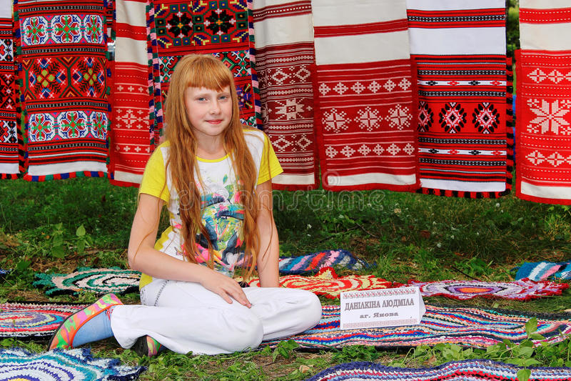 Фольклорные ритуалы производят улучшения в зоне Gomel Республики Беларусь в 2015 стоковые изображения