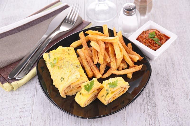 Download Фраи омлета и француза стоковое фото. изображение насчитывающей breadcrumbs - 41652522