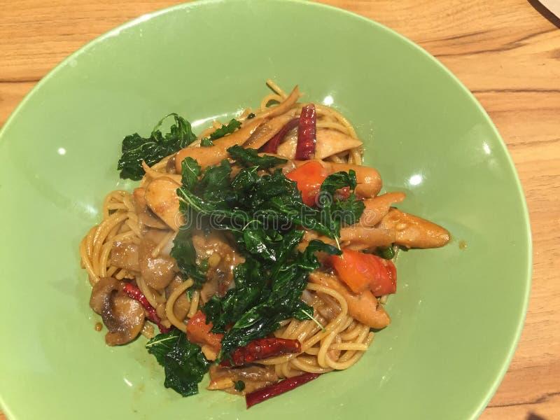 Фрай Stir с спагетти стоковые фото