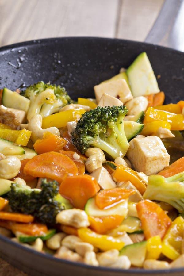 Фрай stir тофу с овощами стоковое изображение