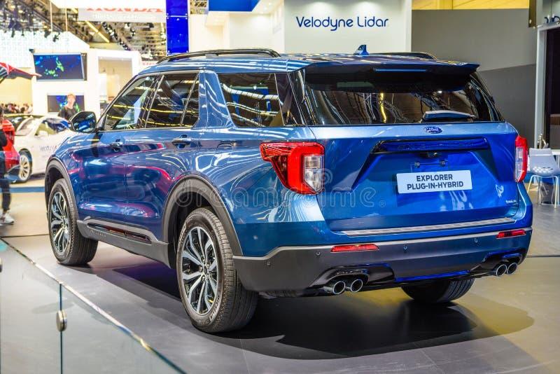ФРАНКФУРТ, ГЕРМАНИЯ - СЕНТ 2019: blue FORD EXPLORER plug-in-гибридный SUV, IAA International Motor Show Auto Exhibtion стоковые фотографии rf