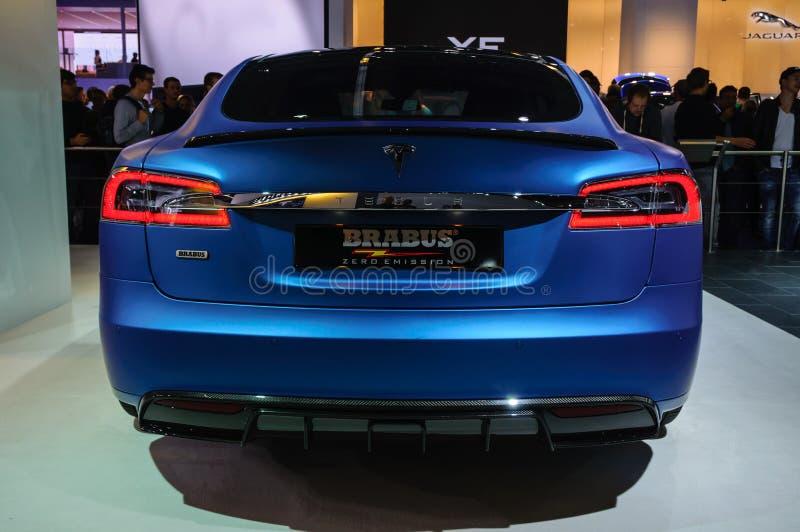 ФРАНКФУРТ - SEPT. 2015: Tesla моделирует s Brabus представленное на IAA Int стоковые изображения