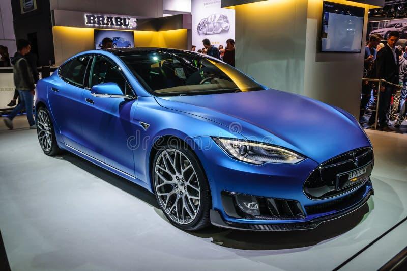 ФРАНКФУРТ - SEPT. 2015: Tesla моделирует s Brabus представленное на IAA Int стоковое изображение