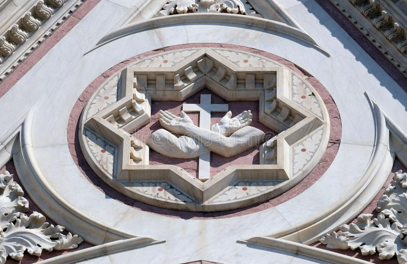 Францисканский знак, базилика Santa Croce di базилики святого креста в Флоренсе стоковые фото