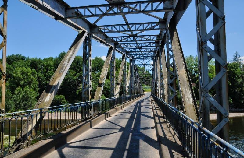 Франция, железный мост Lacave в серии стоковое фото