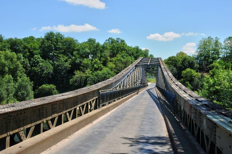 Франция, железный мост Lacave в серии стоковые фото