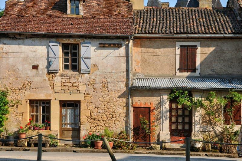 Франция, живописная деревня sur Vezere Леона Святого стоковые фото