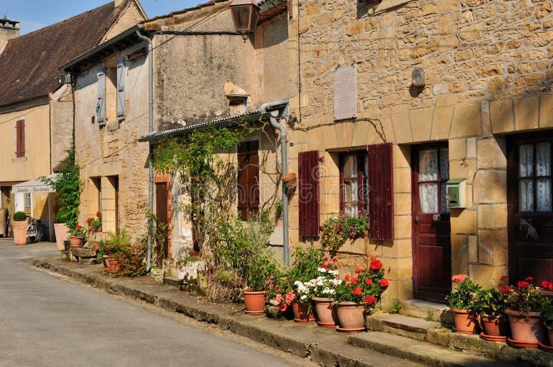 Франция, живописная деревня sur Vezere Леона Святого стоковая фотография