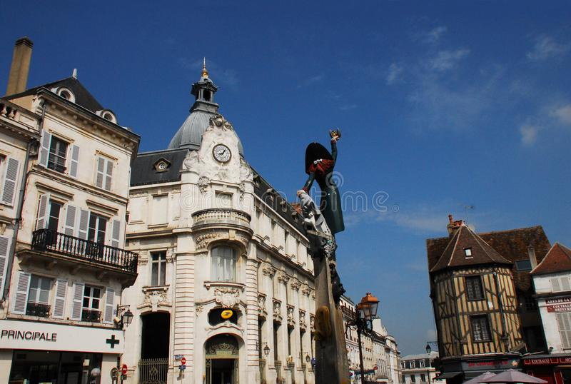 Франция центр города Осер, в бургундском стоковое изображение
