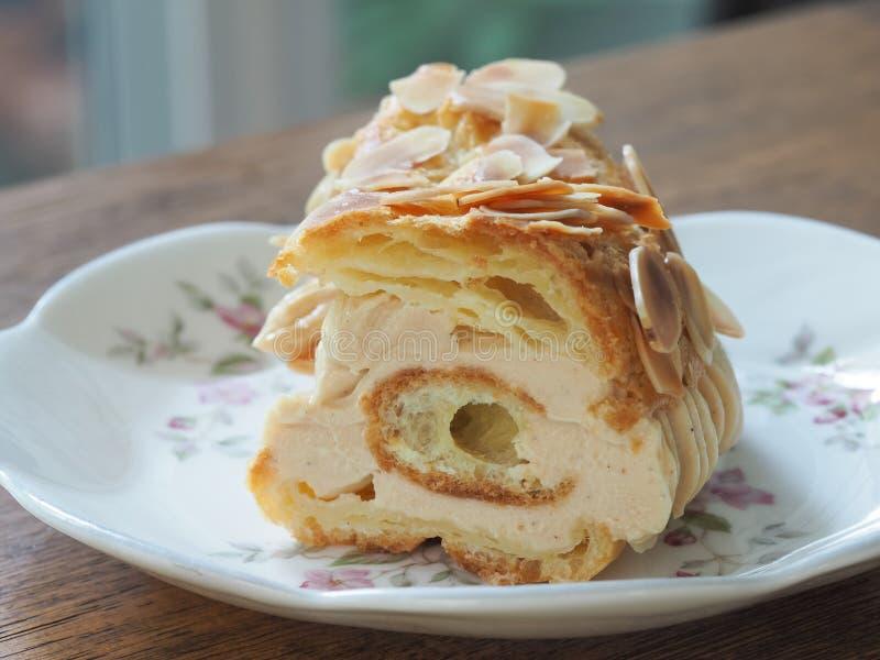 Французский десерт бистро Парижа Бреста стоковые изображения