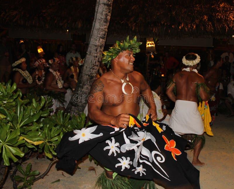 Французский polynesian танцор, традиционное искусство, Франция стоковые фото