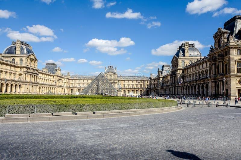 Француз Лувр стоковые изображения