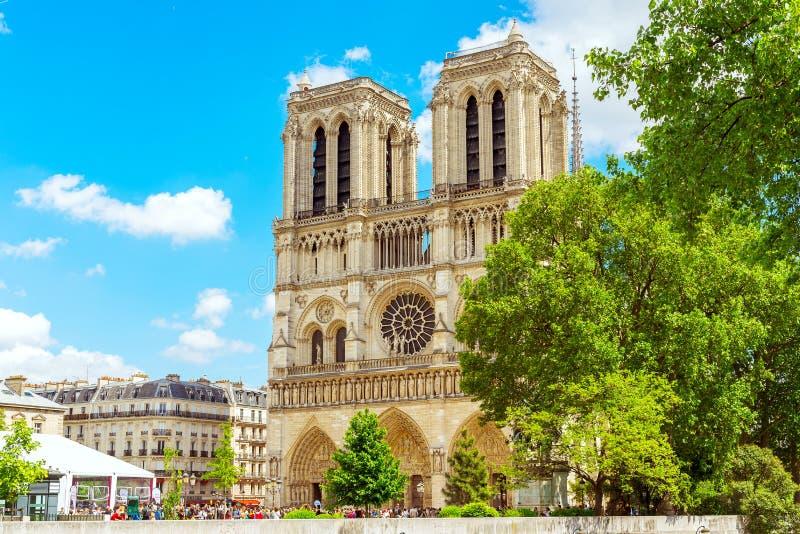 Француз Нотр-Дам de Парижа для стоковое изображение rf