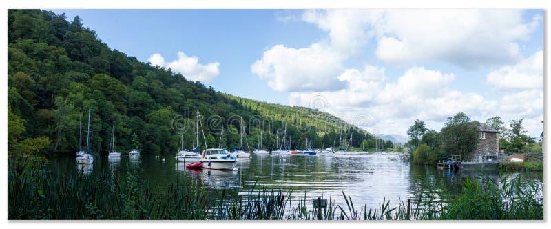 Фронт воды стороны озера стоковые фото