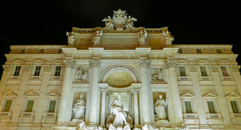 Download Фронт особняка на фонтанах Trevi в Риме Стоковое Изображение - изображение насчитывающей урбанско, италия: 81807491