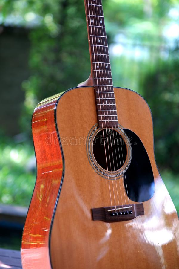 Фронт Guitarlist стоковые изображения