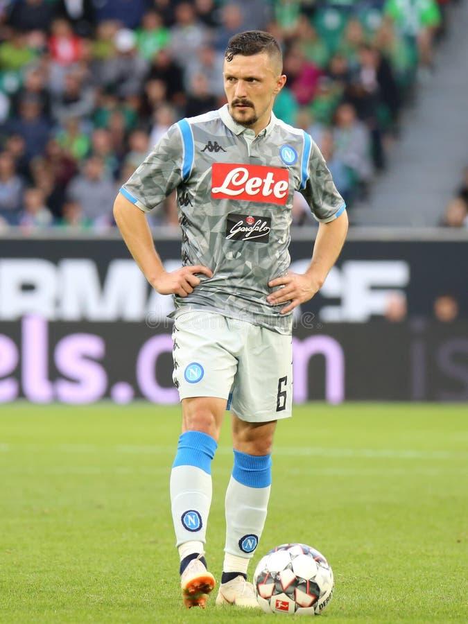 Футболист Марио Rui перед свободным пинком стоковое фото
