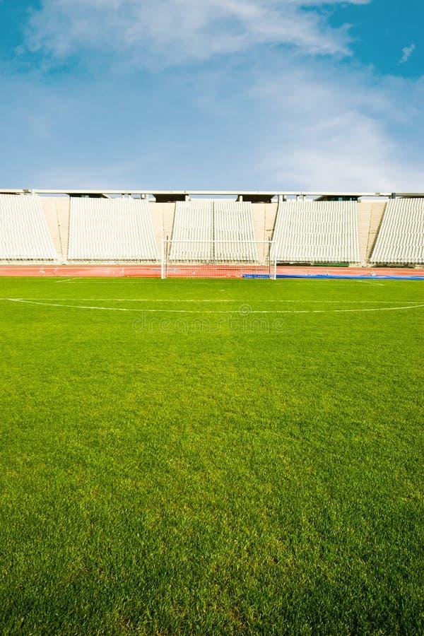 Футбольное поле и стадион стоковые фотографии rf