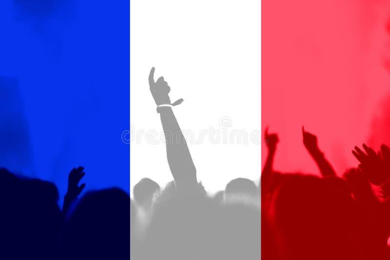 Футбольные болельщики с смешивать флаг Франции стоковые фотографии rf