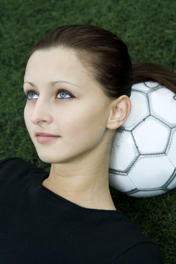 футбол девушки стоковое фото rf