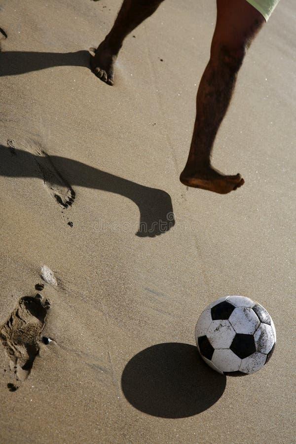 футбол пляжа стоковое изображение