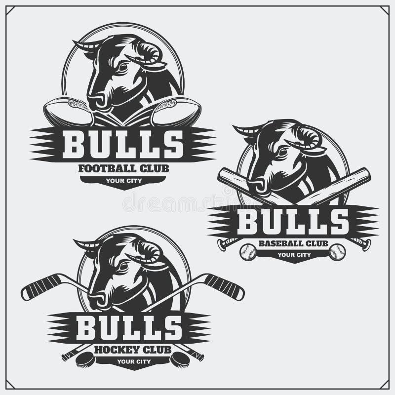 Футбол, бейсбол и логотипы и ярлыки хоккея Эмблемы спортивного клуба с быком бесплатная иллюстрация