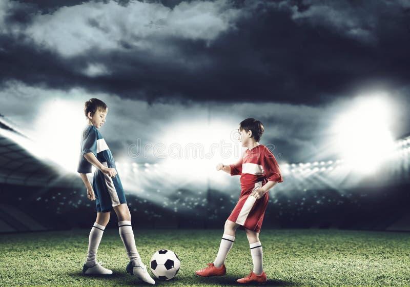 футбольная игра стоковые изображения