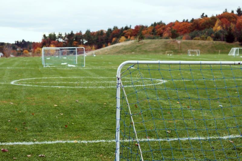 Футбольное поле молодости стоковое изображение rf