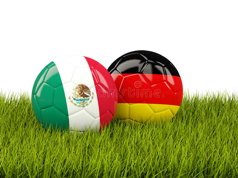 Футбольные мячи Мексики и Германии на траве бесплатная иллюстрация