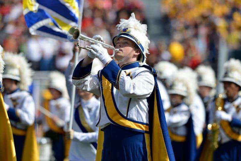 2015 футбол NCAA - Мэриленд @ WVU стоковые фотографии rf