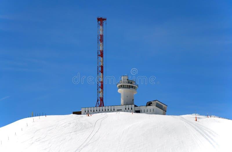 футуристический взгляд дистанционной станции горы стоковое изображение