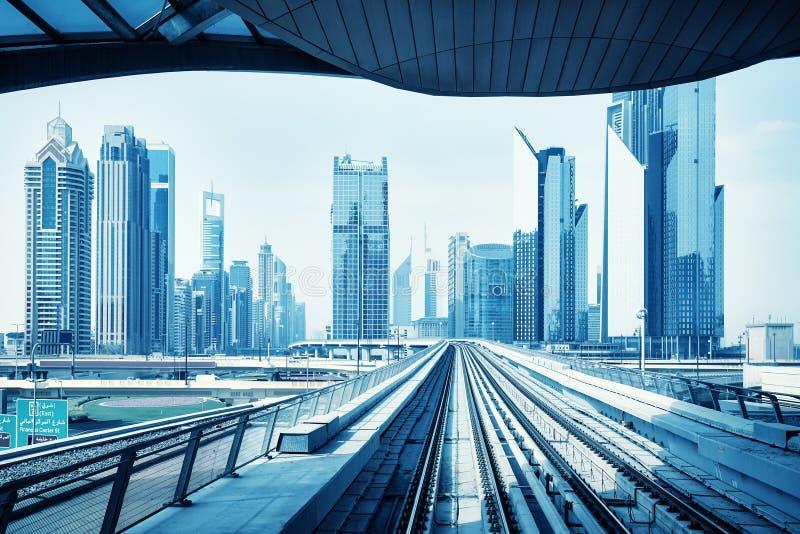 Футуристический горизонт Дубай, голубой тонизировать цвета стоковые изображения rf