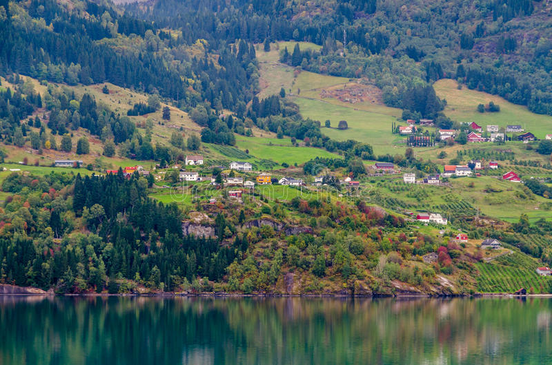 Download фьорд Норвегия стоковое фото. изображение насчитывающей пуща - 81808214