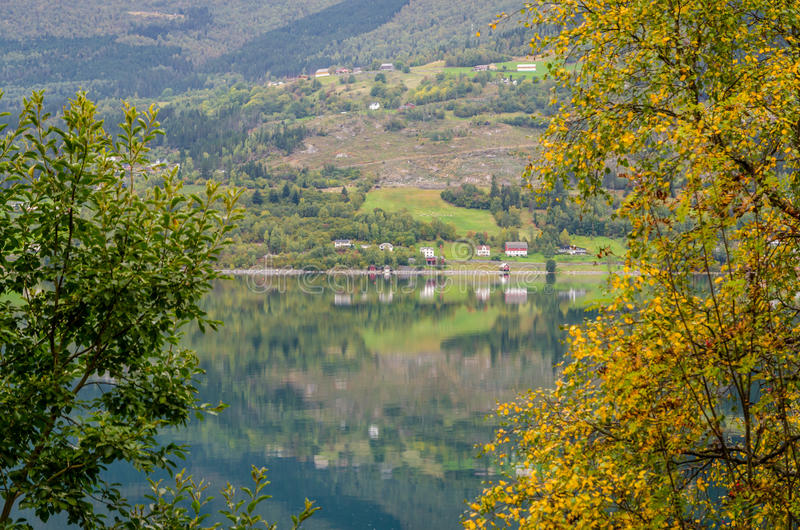 Download фьорд Норвегия стоковое фото. изображение насчитывающей напольно - 81808228