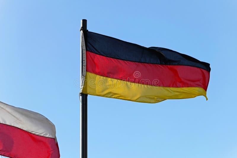 Download Флаг Германии стоковое изображение. изображение насчитывающей flagpole - 37930219