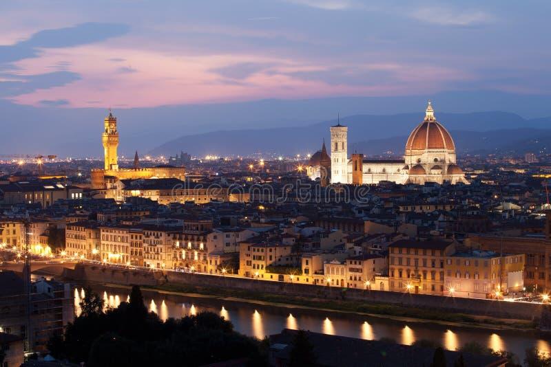 Флоренс после захода солнца, Dumo и Santa Maria del Fiore, Firenze, стоковые изображения