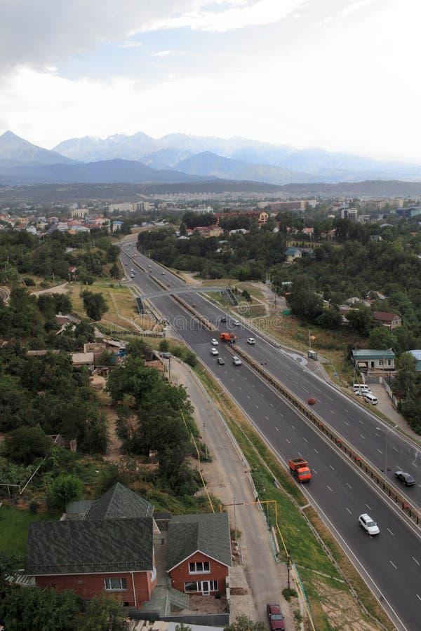 Хайвей в Almaty стоковые изображения rf