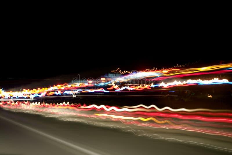 хайвей освещает ночу стоковая фотография rf