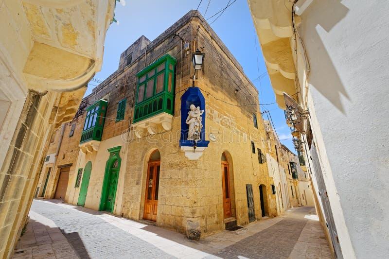 Характерный переулок Инфракрасн-Рабата, Gozo, Мальты стоковое фото rf