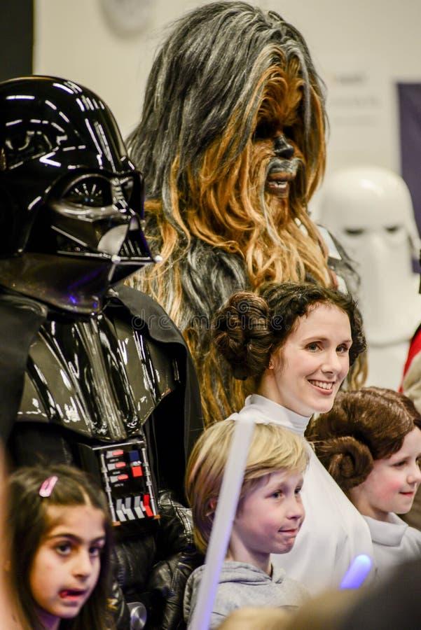 Характеры Звездных войн на шуточной конвенции жулика стоковые фото