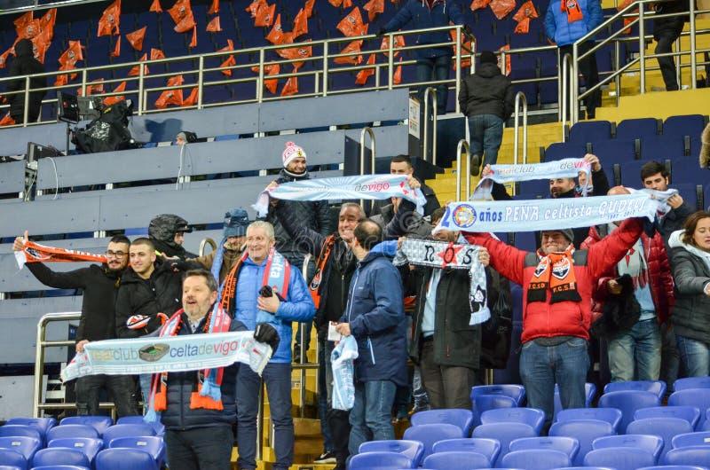 ХАРЬКОВ, УКРАИНА - 23-ЬЕ ФЕВРАЛЯ: Вентиляторы и сторонники Celta de Виго стоковое фото