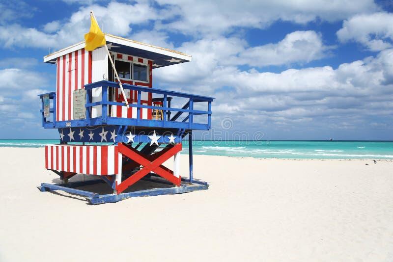 Download Хата личной охраны покрашенная в звездах & нашивках, Miami Beach Стоковое Изображение - изображение насчитывающей взморье, pacific: 40577971