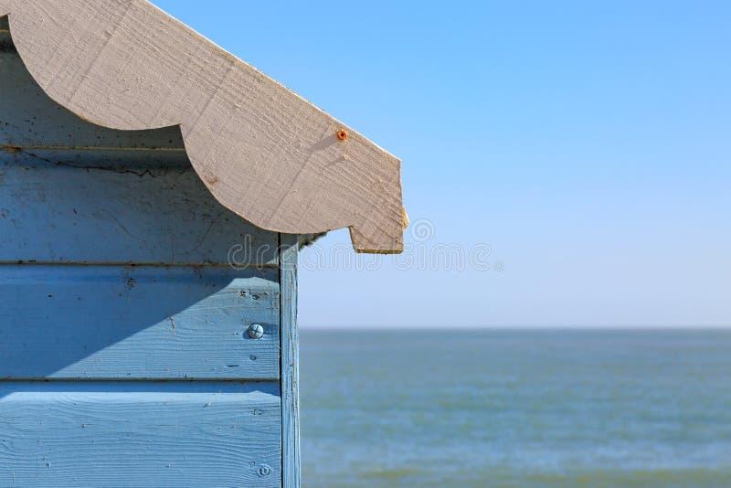 Хата пляжа и океан стоковое фото rf