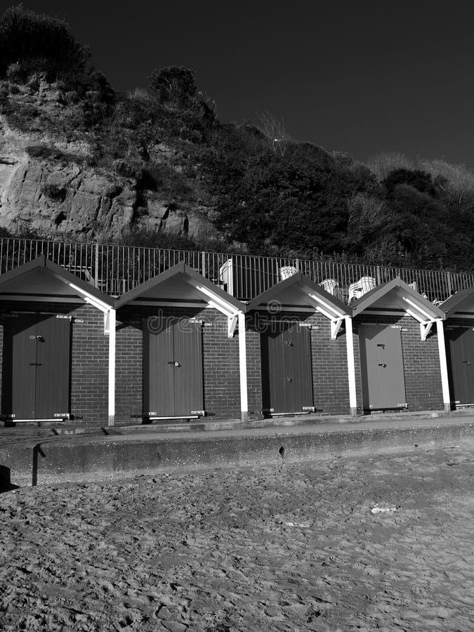 Хаты пляжа Суонси черно-белые стоковые фотографии rf