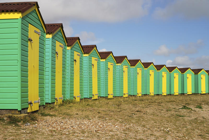 Хаты пляжа. Littlehampton. Сассекс. Великобритания стоковое фото rf