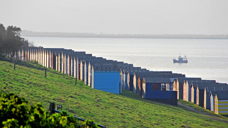 Хаты рыбацкой лодки и пляжа стоковое фото rf
