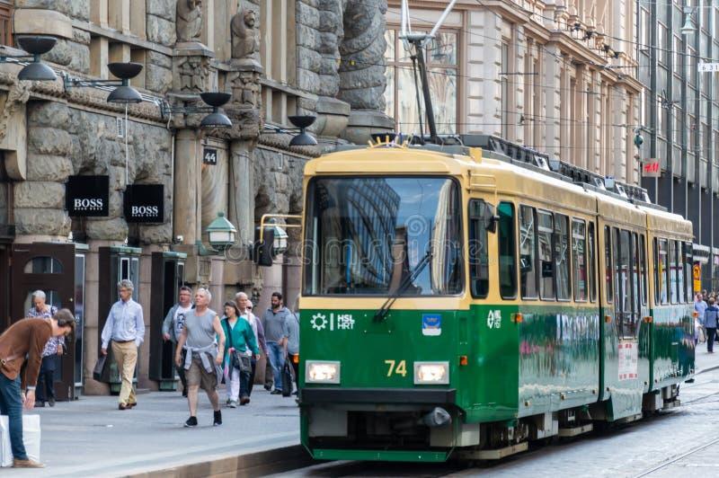 хельсинкский трамвай в центре города в летний день стоковое изображение rf